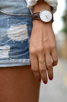 Montre / Watch Daniel Wellington Collier & Bagues / Necklace & Rings Urban Outfitters