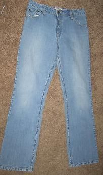 Women's Levi's Jeans Size 12 Stretch Mid-rise Boot-cut Good Condition