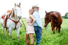 engagement photos....with horses.  YES PLEASE.