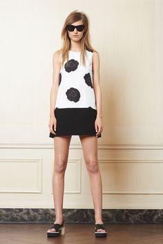 See the complete Lisa Perry Resort 2015 collection. Resort 2015, Spring Fashion, Fashion Show, Fashion Design, Fashion Trends, Trend Council, Weird Fashion, Looking For Women, Pretty Dresses