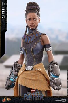 Product Code / The Princess of Wakanda, Shuri, is the leader of the Wakandan Design Group responsible for developing this African Nation's modern technology. Gear up now to defend Wakanda with Shuri and her eye-catching weapon! Black Panther Marvel, Female Black Panther, Shuri Black Panther, Black Panther Costume, Marvel Characters, Marvel Heroes, Marvel Dc, Marvel Comics, Captain Marvel