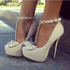 White heels w bow and chain...LOVE