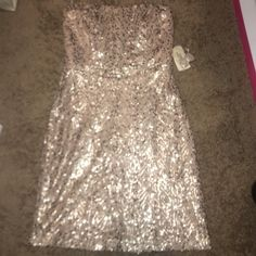 NWT forever 21 dress. Strapless NWT forever 21 sequin dress. Size Medium. Perfect for the holidays. Forever 21 Dresses Strapless