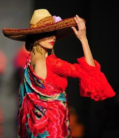 Model Eva Gonzalez presents a creation by Rocio Peralta during the first day of the SIMOF (International Flamenco Fashion Show) in S. Mexican Costume, Mexican Outfit, Mexican Dresses, Mexican Clothing, Fashion Art, Love Fashion, Fashion Show, Mexican Fashion Style, Spanish Fashion