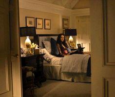 Victoria Grayson in her bedroom-Revenge
