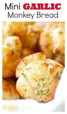 Garlic monkey bread - Use Pillsbury biscuits dough, dunk in garlic butter and takes only 20 mins from start to end | rasamalaysia.com