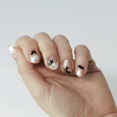 A how to tutorial to create the perfect Valentine's Day nails.