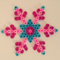 Winter snowflake hama beads by el_sol_sale_por_el_este