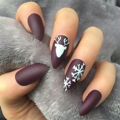 19 Festlichen Weihnachts Nail Art Ideen 19 Festlichen Weihnachts Nail Art Ideen – – Christmas nails are that necessary component of your good vacation look. Christmas Nail Art Designs, Winter Nail Designs, Cute Nail Designs, Christmas Design, Xmas Nails, Holiday Nails, Fun Nails, Nail For Christmas, Christmas Nails Colors
