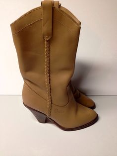 Candies 6 M Ladies Taupe Leather Vintage Sexy Boots 80s by ShoeShoeGoddess on Etsy https://www.etsy.com/listing/251809321/candies-6-m-ladies-taupe-leather-vintage