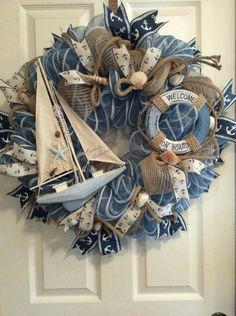 quenalbertini: Nautical Deco Mesh and Burlap Wreath Coastal Wreath, Nautical Wreath, Nautical Craft, Anchor Wreath, Coastal Decor, Seashell Crafts, Beach Crafts, Diy Crafts, Deco Noel Nature
