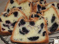 Chec cu afine reteta Muffin, Breakfast, Food, Fine Dining, Morning Coffee, Meals, Muffins, Yemek, Morning Breakfast