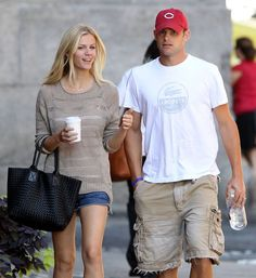 Brooklyn Decker and Andy Roddick: Former tennis player Andy Roddick caught the eye of model Brooklyn Decker in 2007. Two years later they got married!