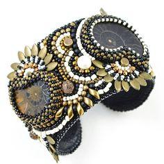 """Браслет """"Soiree"""" В браслете два аммонита, один черный, а второй черно-коричневый, удивительные экземпляры. Та же в браслете использованы камни песочной яшмы, черного агата и жемчуга. ~~~~~~ #кыргызстан #бишкек #jewelry #beaded #beadwork #beadembroidery #greenbirdme #embroidery #livemaster #сделановкыргызстане #handmadejewelry #handmade #handmadekg #бисероплетение #вышивкабисером #ярмаркамастеров #lav_beaded_art"""