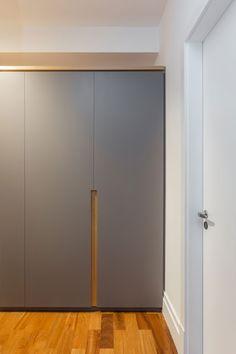 Wardrobe Door Designs, Wardrobe Design Bedroom, Bedroom Bed Design, Closet Designs, Wardrobe Door Handles, Wardrobe Doors, Wardrobe Closet, Bedroom Closet Storage, Wooden Wardrobe