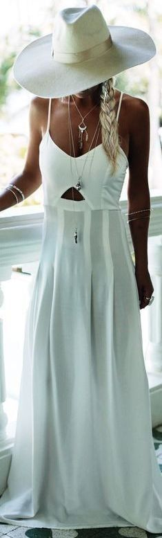 #gypsylovinlight #coachella #hippie #style #spring #summer #inspiration | White Maxi dress