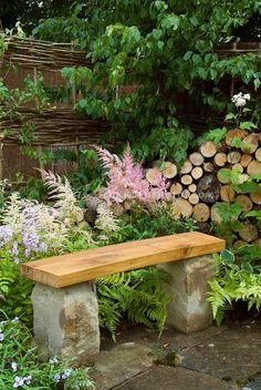 12 great garden furniture ideas that will make your garden even more inviting DIY garden bench Outdoor Garden Bench, Patio Pergola, Garden Seating, Backyard Landscaping, Outdoor Gardens, Stone Garden Bench, Pergola Ideas, Gravel Garden, Water Garden