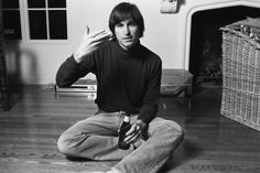 Before he was an iCon: Never before seen photos of a young Steve Jobs show the Apple founder in rare tender moments at the beginning of his career Bill Gates Steve Jobs, Steve Wozniak, Steve Jobs Photo, Apple Founder, All About Steve, Moby Dick, Steve Jobs Apple, Lotus Position, Unseen Images