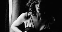 Lisa #portrait #beautifulwoman #blackandwhite #lifestyle #karinbergmann #portraitphotographer #photography #boudoir #boudoirphotography #lingerie #boudoirinspiration #availablelight #photostudio Portrait, Boudoir, Backless, Lisa, Photos, Lingerie, Lifestyle, Fashion, Moda