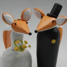 fox wedding cake toppers from bunnywithatoolbelt.com