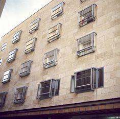 Alejandro de la Sota - Edificio de viviendas y locales comerciales, Salamanca (1963)