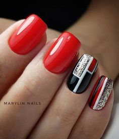 What you need to know about acrylic nails - My Nails Christmas Nail Art Designs, Christmas Nails, Cute Nails, Pretty Nails, Latest Nail Art, Geometric Nail, Manicure E Pedicure, Manicure Ideas, Nail Decorations