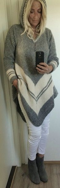 Handknitted poncho-sweater with hood.. Poncho. Håndstrikket. Poncho-genser…