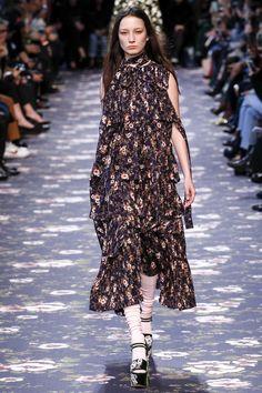 Rochas Fall 2016 Ready-to-Wear Fashion Show