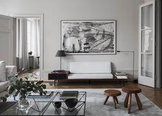 Under min bloggrunda igår snubblade jag över de här finfina bilderna (tipstack till Allan ) som är tagna hemma hos designern designern Louise Liljencrantz. Ett ögonbedövande finstämt inrett hem med…