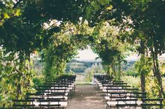 Tuscany wedding ceremony - photo by Lisa Poggi http://ruffledblog.com/tuscany-destination-wedding