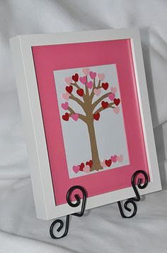g*rated: Framed Heart Tree Valentine Tree, My Funny Valentine, Valentine Day Love, Valentines Day Party, Valentine Day Crafts, Holiday Crafts, Holiday Fun, Valentine Picture, Valentine Ideas