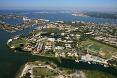 Eckerd is a liberal arts college in St. Petersburg, Florida, and is one of 40 schools featured in Colleges That Change Lives and a member of Phi Beta Kappa. Eckerd College, Liberal Arts College, College Ready, Wonderful Places, Great Places, University Search, College Information, Colleges In Florida, College Search