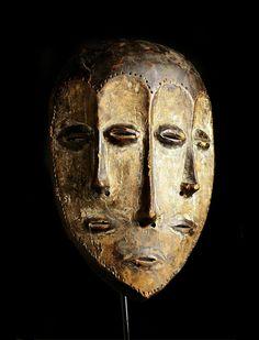 ペンデ族 Panya Ngombeと呼ばれるマスク ン・マ