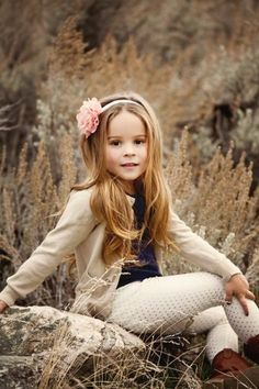 50 new Ideas for photography kids playing photographs photography 794603927985178076 Fall Kids Photography, Little Girl Photography, Children Photography Poses, Portrait Photography Poses, Kids Fashion Photography, Outdoor Kid Photography, Photography Ideas, Fall Pictures Kids, Family Pictures