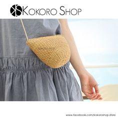 Una #moda veraniega, que se ha convertido en #musthave, acompañandonos en cualquier temporada del año! Los Bolsos de paja, están de moda! Disponible en varios colores. No te quedes sin el tuyo ....  Síguenos en Instagram: @kokoro_shop_ig https://www.facebook.com/kokoroshop.store/   #bolsos #mini #fashion #girls #colors #moda #mujer #complementos #outfit #cute #lovely #regalos #shopping #tiendas #compras #chicas #bags #handbags #bolsos #niñas #paja #straw #MIX #summer #autumn #otoño