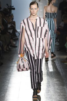 See the complete Ports 1961 Spring 2017 Ready-to-Wear collection.