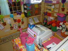 A super Florist Role-Play classroom area photo contribution. Preschool At Home, Preschool Classroom, Play Corner, Role Play Areas, Infant Classroom, Family Theme, Dramatic Play Centers, Garden Centre, Play Centre