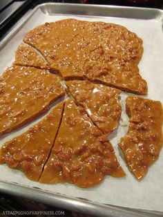 Peanut Brittle Recipe ~ Crunchy and creamy old-fashioned peanut brittle, yummy!