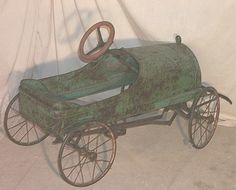 Early Moon Antique Pedal Car So Fantastic! Vintage Tins, Vintage Antiques, Kids Cars, Antique Pictures, Balance Bike, Metal Toys, Primitive Furniture, Pedal Cars, Short Legs