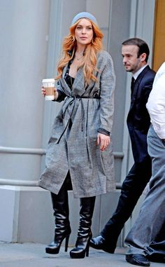 Lindsay Lohan steps out looking stylish in NYC. #style