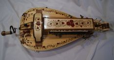 Hurdy Gurdy, Court Jester, Ugly To Pretty, Character Outfits, Harp, Musical Instruments, Musicals, Wren, Pilgrim
