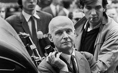 Henri Cartier-Bresson http://www.enricobossanmasterclass.com/henri-cartier-bresson-photographer-of-the-week/