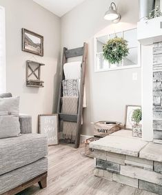 Farmhouse, Rustic & Vintage Decor - Decor Steals Chiara Neff chiaraneff Home decor Looks like we stumbled on a quaint and cozy little corner. 🤫 We bet this is what Barnwoodfarmhome had in mind for this space. Nothing but warm & cozy feels. Living Room Corner Decor, Cozy Living Rooms, Home And Living, Decor Room, Small Living, Modern Living, Grey Tone Living Room Decor, Living Room Corners, Apartment Living