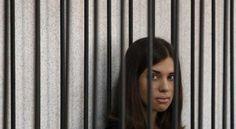 Activista de Pussy Riot - viva, mas deportada para a Sibéria