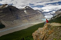 Parker Ridge Trail in Banff National Park -  Canada. Only 20 minutes to a spectacular view.