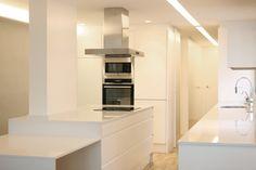 SANTOS kitchen | Diseño de cocina Line integrada en la reforma de una vivienda en Valencia