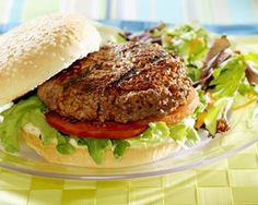 Spicy beef burger recipe This is one of my most appreciated recipes, I even gave it to a fast food corner and its very popular over there:. Desi Burger Recipe, Burger Recipes, Lunch Recipes, Pakistani Recipes, Healthy Beef Recipes, Healthy Lunches, Healthy Dinners, Easy Meals