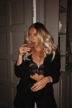 Night Out Outfit, Night Outfits, Classy Outfits, Stylish Outfits, Fall Outfits, Summer Outfits, Casual Bar Outfits, Casual Party Outfit Night, Dinner Outfit Classy