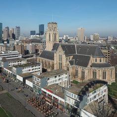 Vanaf en met het reuzenrad in Rotterdam
