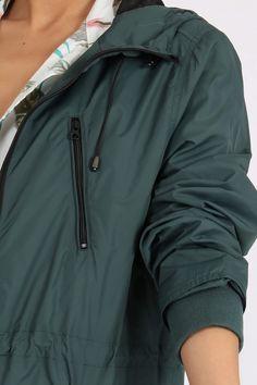 Dámska tmavo zelená vetrovka s kapucňou Rain Jacket, Windbreaker, Jackets, Fashion, Down Jackets, Moda, La Mode, Jacket, Fasion